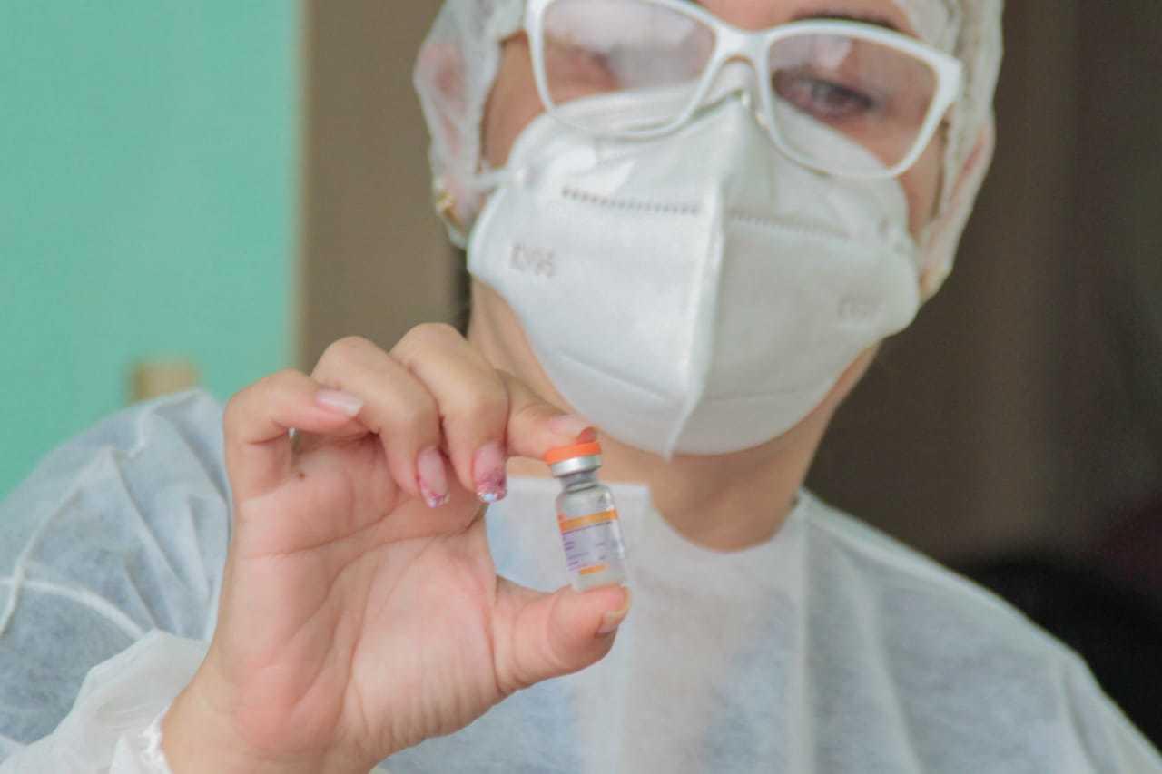A Sesau esclareceu que todas as imunizações que estão sendo feitas estão dentro de critérios estabelecidos antes da vacinação começar. (Foto: Marcos Maluf)