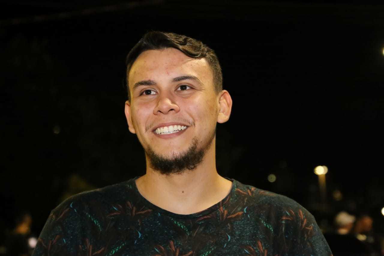Douglas estuda Administração e tem 21 anos (Foto: Kísie Ainoã)