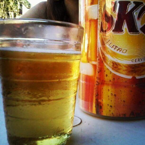 Das mãos de seu Serafin, cerveja gelada nunca faltou (Foto: Arquivo Pessoal)