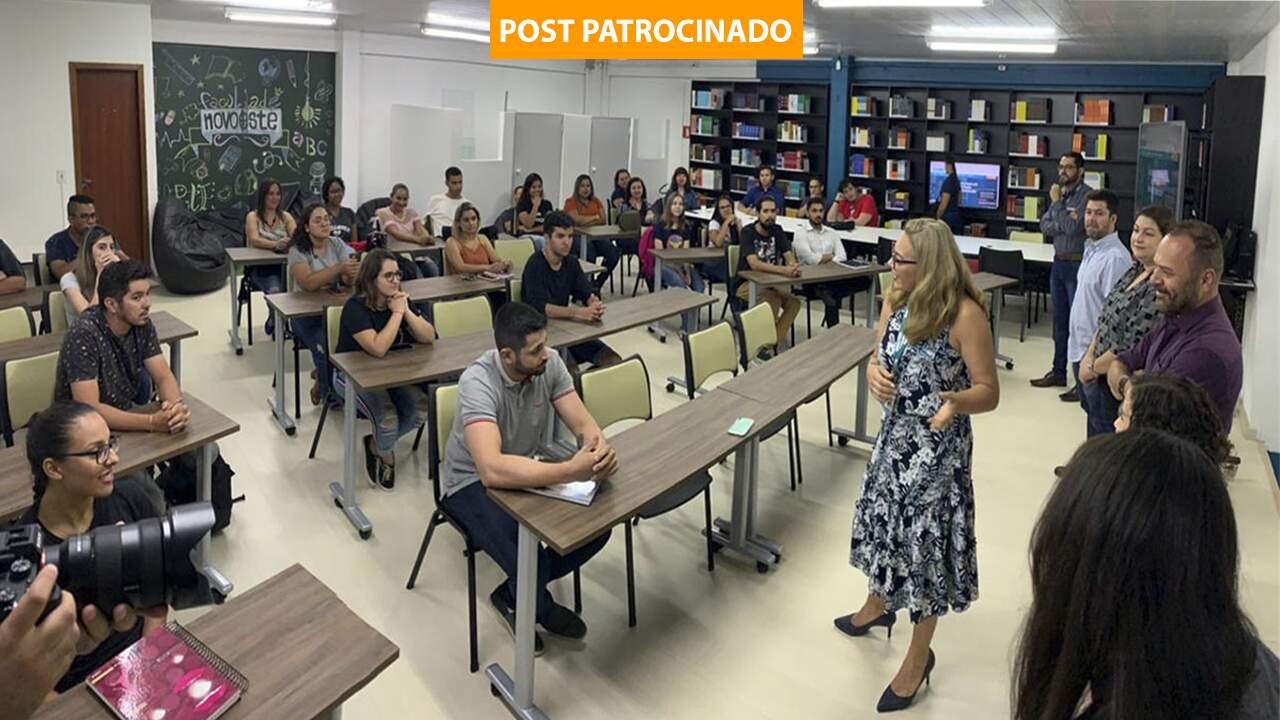 Turma de Administração – disciplinas de Inglês e Felicidade são diferenciais do curso (Foto: Divulgação)