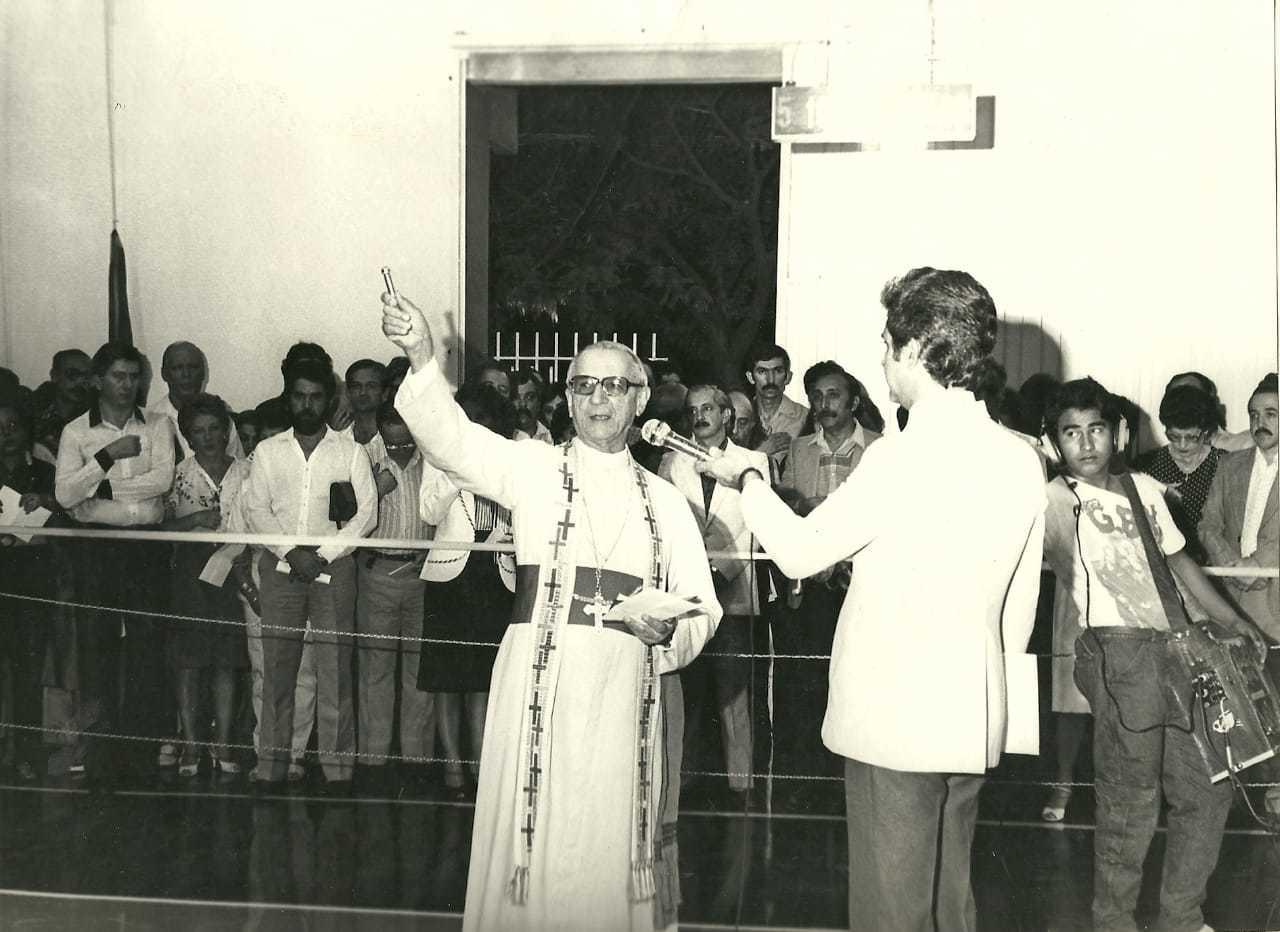 Até padre batizou a escola no dia da sua inauguração (Foto: Arquivo Pessoal)