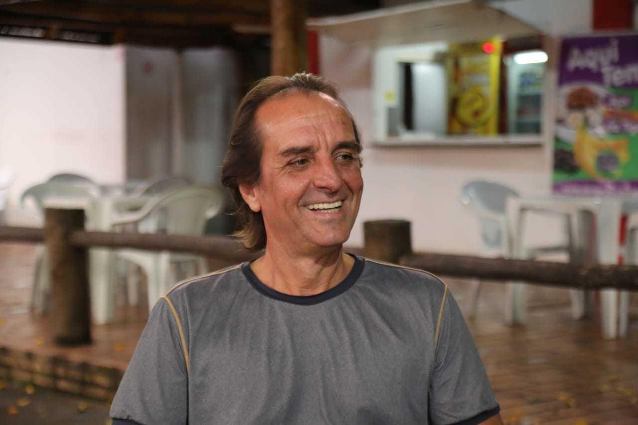 Aos 57 anos, Rolim é o dono do lugar (Foto: Kísie Ainoã)
