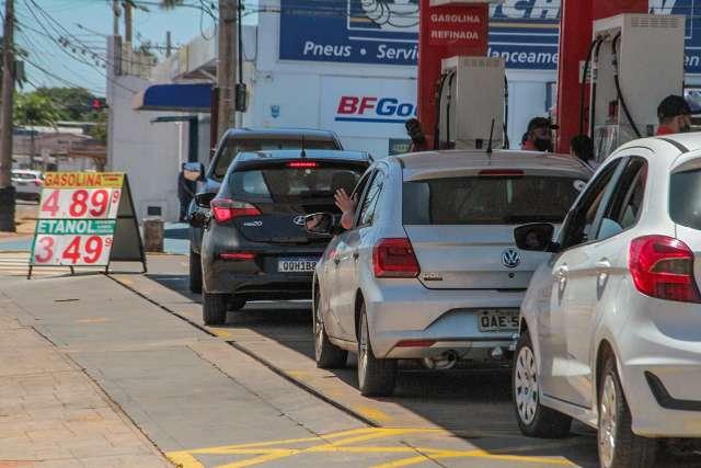 Bolsonaro: governo estudará como zerar imposto sobre diesel de forma definitiva