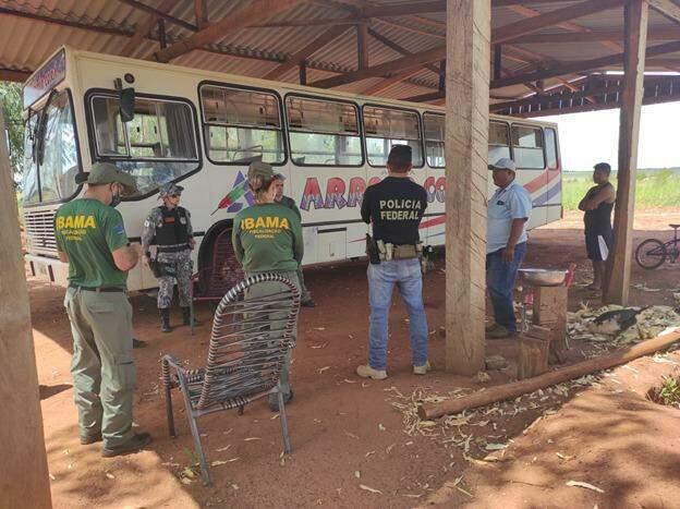 Equipes durante a operação conjunta nesta terça-feira em Paranhos. (Foto: Divulgação)