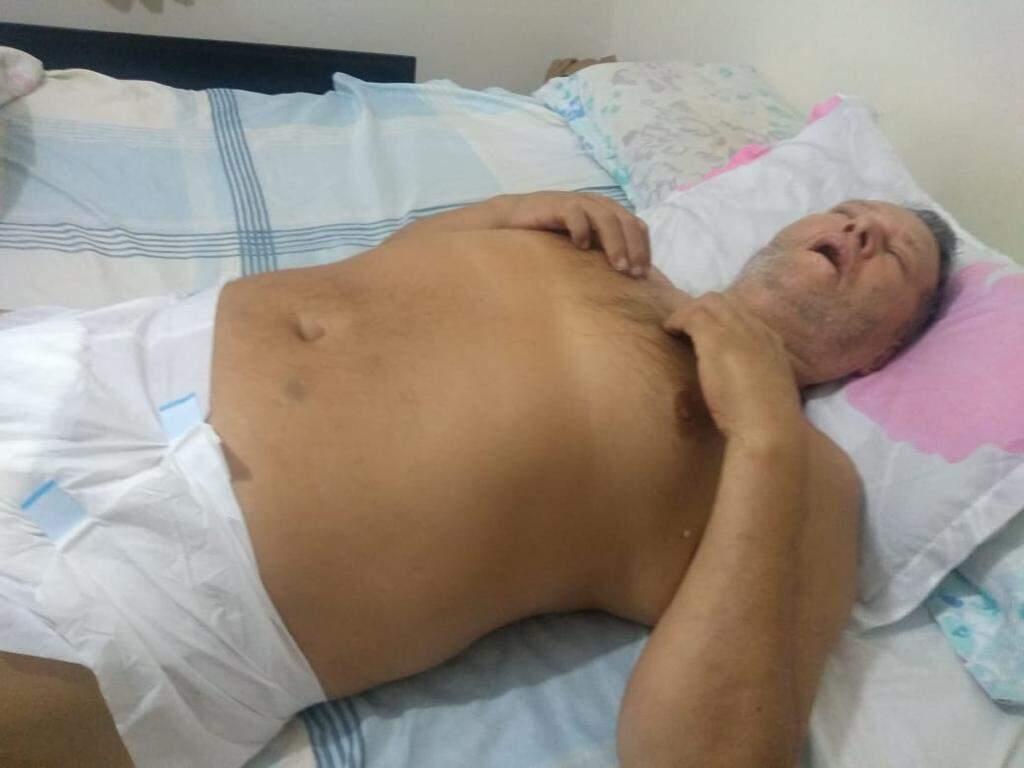 Marcio Antonio precisou usar fralda depois de receber a transfusão errada. (Foto: Arquivo pessoal)