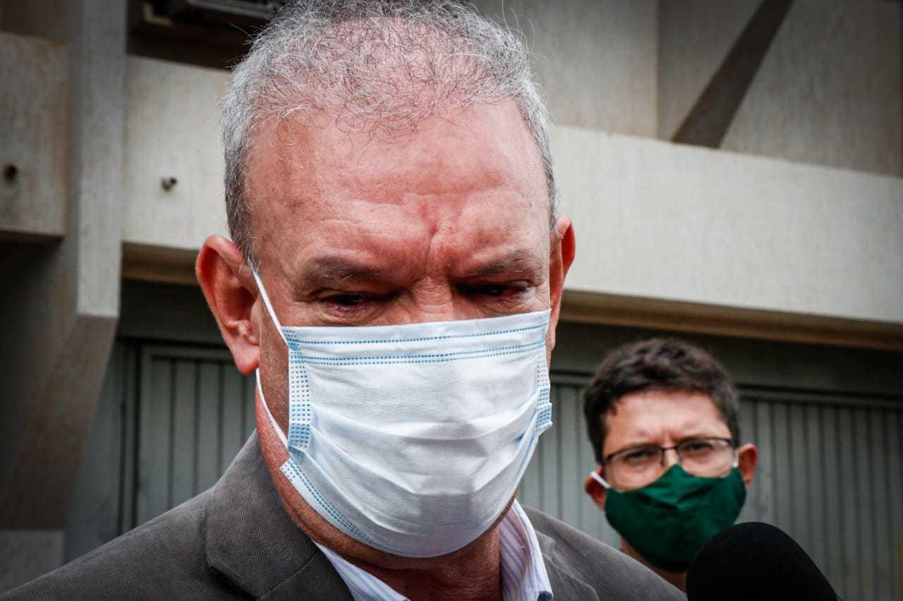 Geraldo Resende durante coletiva de imprensa (Foto: Henrique Kawaminami)