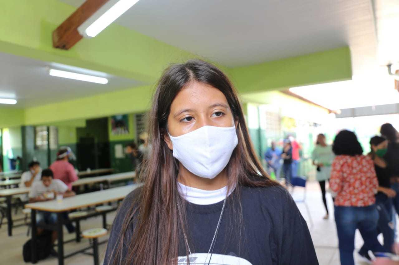 A estudante Thais de Freitas Ramos também quer ter aulas presenciais, (Foto: Paulo Francis)