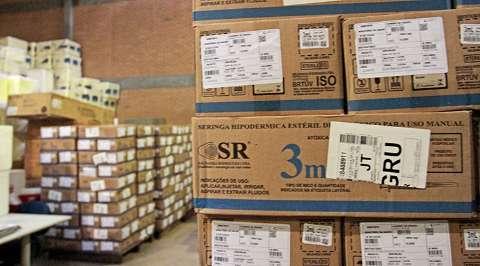 Secretaria compra R$ 552 mil em agulhas e seringas para vacinação contra covid