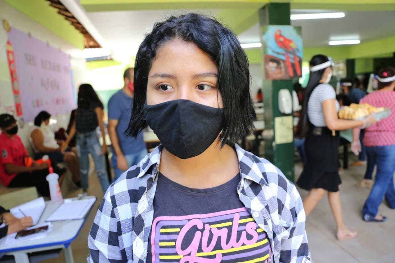 Maria Eduarda Tomicha na semana do acolhimento realizado na Escola Estadual Professora Neyder Suelly Costa Vieira. (Foto: Paulo Francis)