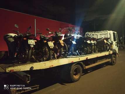 Homem é preso e 11 motos são apreendidas em aglomeração no Jardim Carioca