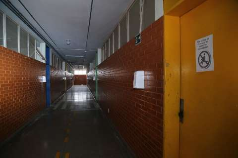 Com aumento de casos, maioria apoia fechamento das escolas em MS