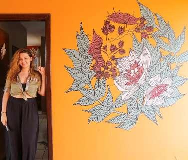 Desenho em parede foi o que deu vida à casa de Bruna na pandemia