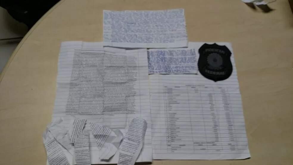 Manuscritos de Beira-Mar apreendidos com Beira-Mar em prisão federal de Rondonônia, em 2017. (Foto: Divulgação)