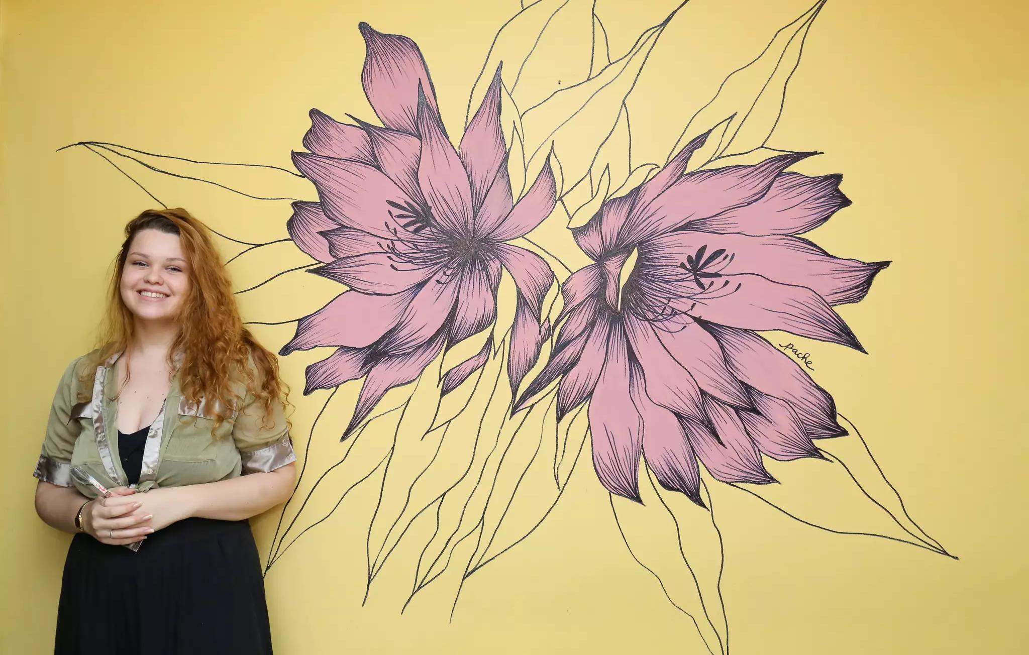 Arte em paredes, conhecida como muralismo, está cada vez mais em alta por ser uma opção acessível (Foto: Kísie Ainoã)