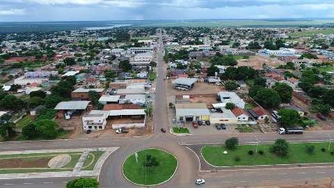 Nova cepa leva município a restringir comércio e suspender missas e cultos