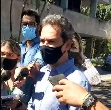 """""""Réu é o Flávio Bolsonaro"""", diz Marquinhos a manifestantes"""