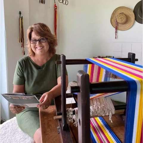 Live ensina a fazer e reflete sobre a importância da faixa paraguaia
