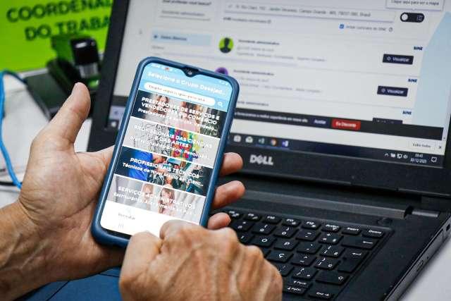 Semana começa com 579 vagas de emprego disponíveis por App da Funtrab