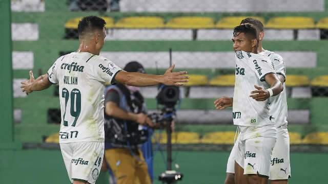 Palmeiras faz 2 a 1 sobre o Defensa y Justicia na Argentina