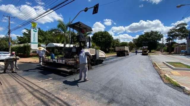 Obras de recapeamento são iniciadas em três bairros da Capital