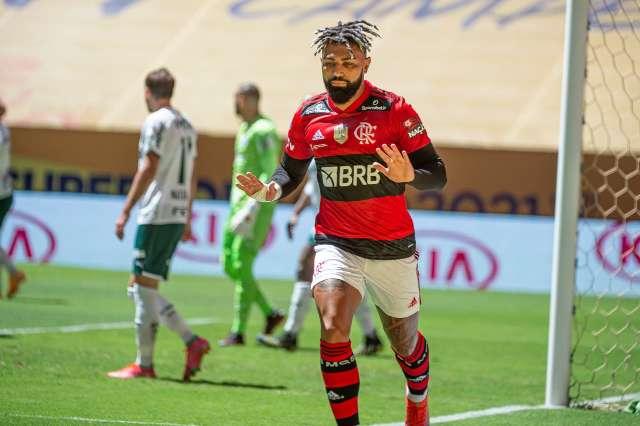 Nos pênaltis, Flamengo vence Palmeiras e fatura Supercopa do Brasil