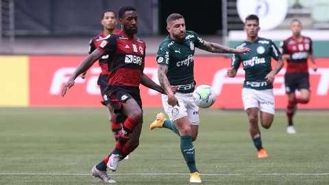 Flamengo e Palmeiras disputam o título da Supercopa do Brasil