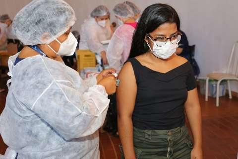 Até nova remessa, Capital mantém vacina restrita aos índios
