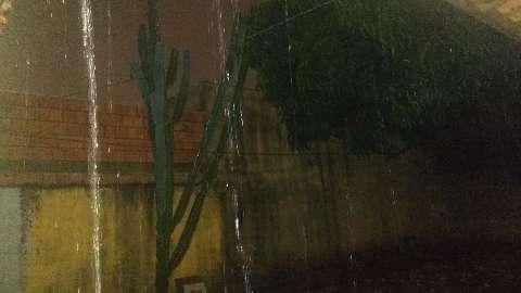 Chuva retorna com força em vários bairros da Capital