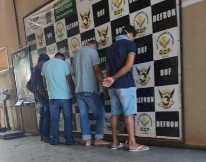 Quatro são presos negociando venda de 230 quilos de maconha em churrascaria
