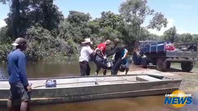 Mergulhadores resgatam corpo do Rio Paraguai