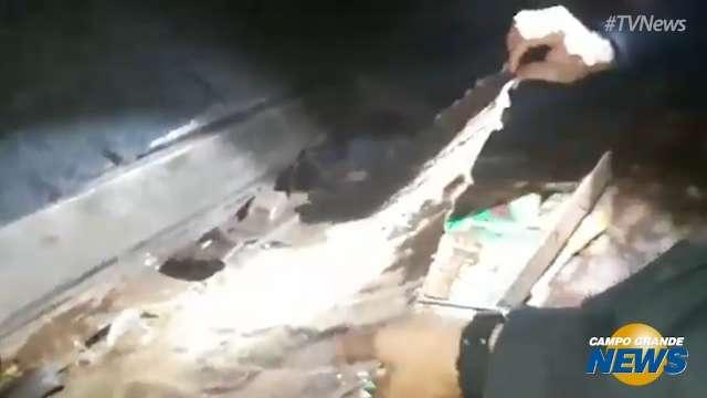 Parte da droga foi encontrada escondida dentro de pneu de trator