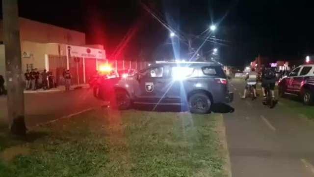 Polícia faz buscas por preso que matou policiais