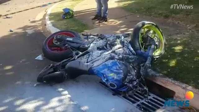 Acidente mata duas pessoas em motocicleta na Lúdio Coelho