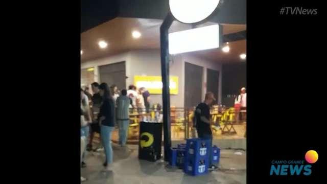 Vizinhos relatam bagunça, som alto e aglomeração em bar no Itanhangá Park